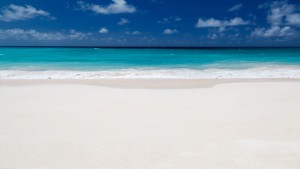 perfect_white_beach_2051741.jpg